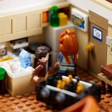 LEGO lanza los apartamentos de Friends en un set lleno de detalles con el que recrear nuestras escenas favoritas de la serie
