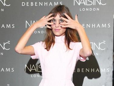 Duelo en rosa: ¿Alexa Chung o Jessica Alba?