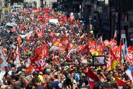 No, los medios de comunicación españoles no están silenciando la huelga general francesa