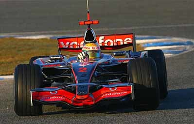 Lewis Hamilton reaparece con el mejor tiempo