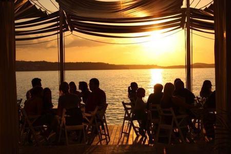 En 2015, los hermanos Ferran y Albert Adrià reaparecerán en Ibiza abriendo un nuevo restaurante