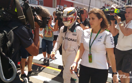 Hamilton Accidente Paddock