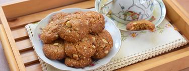 Receta de galletas de avena, coco y avellanas con miel, para no saltarse la merienda