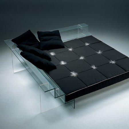 La cama transparente de Santambrogio Milano