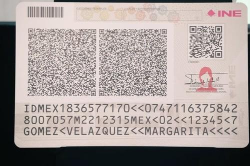 La nueva credencial del INE no tiene uno, ni dos, sino tres códigos QR: para esto sirven y esta es su tecnología de funcionamiento