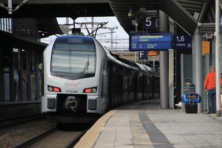 Train 3278501 1920
