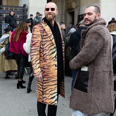 Olvídate de los cuadros, que el abrigo que se llevará en otoño es con salvajes prints