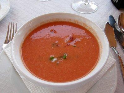 Análisis nutricional de una porción de gazpacho