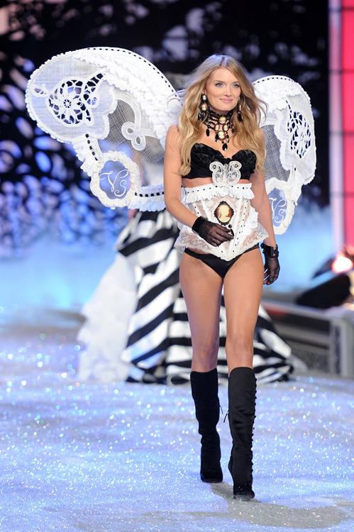 Foto de El desfile Victoria's Secret Fashion 2011: todas las imágenes (21/57)
