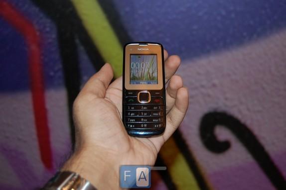 Nokia C2-00 en imágenes