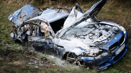 Dolorpasión™: Un M5 F10 se estrella a 300 km/h en la Autobahn