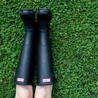 Las botas de agua más deseadas son estas Hunter que encontramos en el Single's Day de AliExpress con 40 euros de descuento
