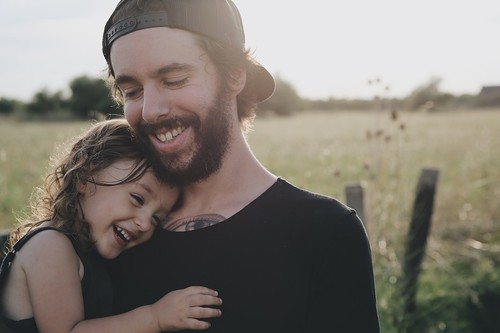 Día del Padre: 11 ideas feministas que regalar a padres que luchan por la igualdad (y quieren dejarlo claro)