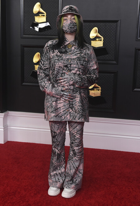 Billie Eilish Grammy Look 01