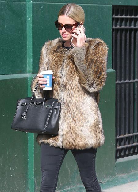 Nicky Hilton adapta las tendencias del momento a su estilo personal