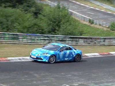 Mira como el Alpine A110 afina su puesta a punto en el Nürburgring