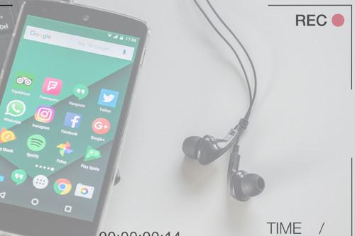Intentan averiguar si nuestros móviles nos escuchan y descubren apps que graban la pantalla