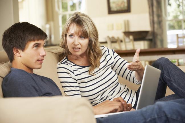 La calidad de los hábitos de sueño de la madre influye en el tipo de crianza hacia sus hijos adolescentes