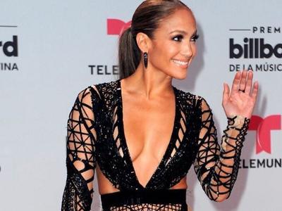 Jennifer Lopez en 5 looks que demuestran que lo suyo no son las alfombras rojas