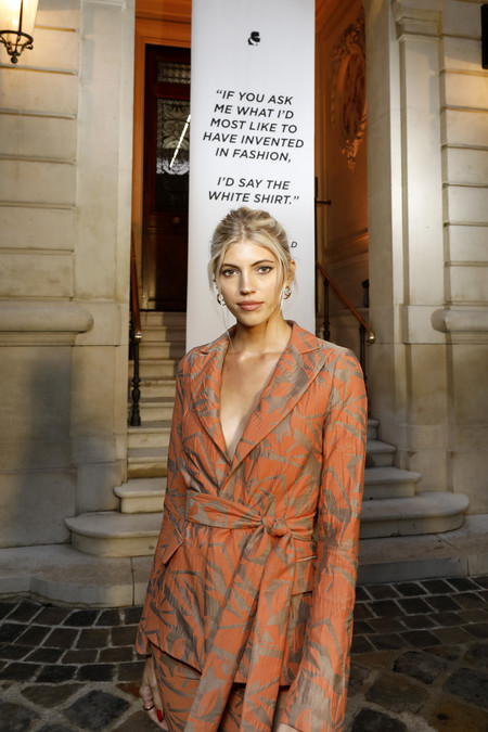 Devon windsor tributo Karl lagerfeld