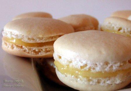 Macarons con lemon curd. Receta de postre