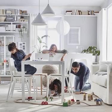 El catálogo de Ikea cumple 70 años. Y tenemos un anticipo de sus novedades en salones