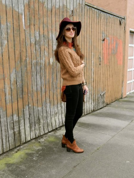 Outfits Con Botines Cafes Claros