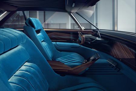 Peugeot e-Legend interior