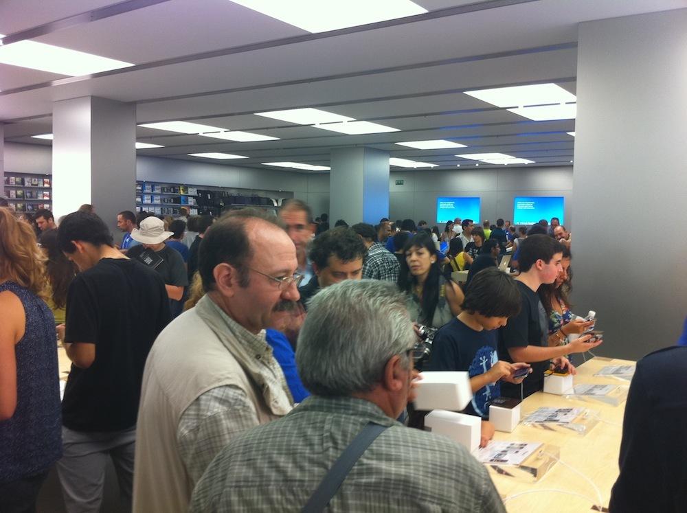 Foto de Inauguración Apple Store La Maquinista (87/93)