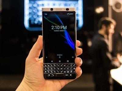 La BlackBerry KEYone llega a España, casi un año después de su presentación