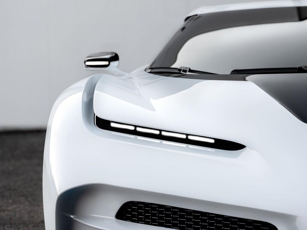 ¡Cazado! El nuevo hyperdeportivo de Bugatti se dejar ver en vídeo rodando en circuito, a dos días de su presentación