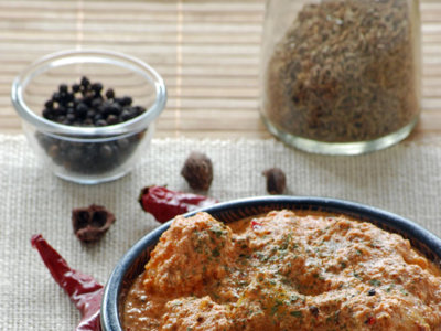Dum Aloo, curry rojo de patatas baby con yogur. Receta india
