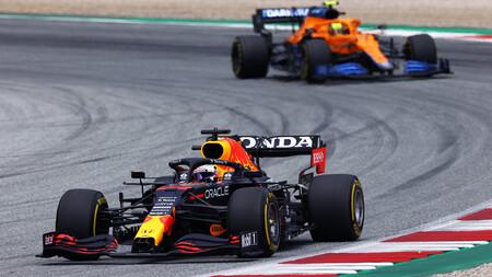 Max Verstappen completa el doblete, Lewis Hamilton se desploma y McLaren regresa al podio en Austria