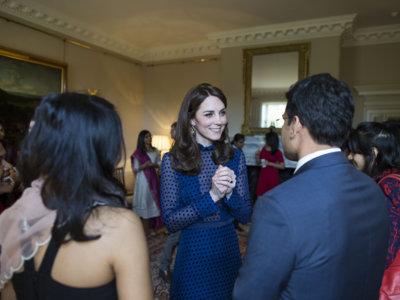 La firma india Saloni relega a un segundo plano a Jenny Packham en el vestuario de Kate Middleton