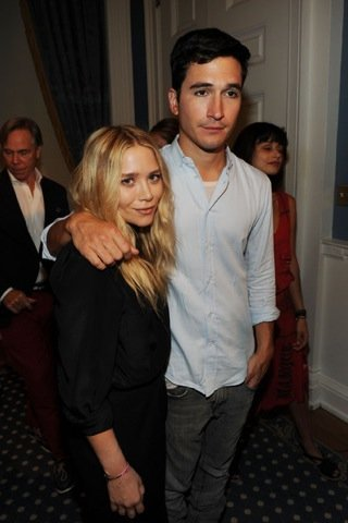 Mary-Kate Olsen en la 2010 Fashion's Night Out Kick-Off