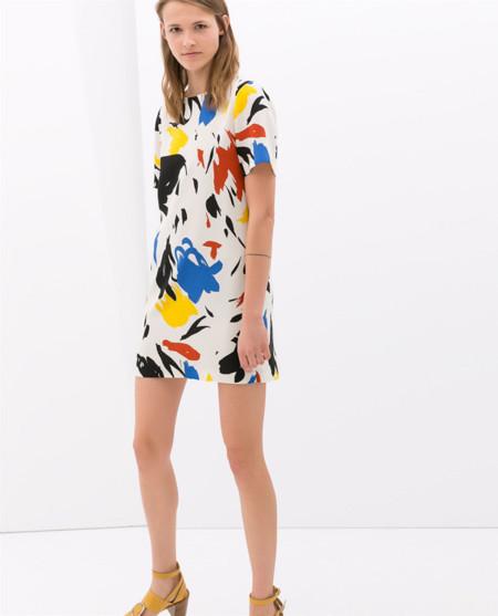 Zara pinta su propio vestido (clon) de Céline