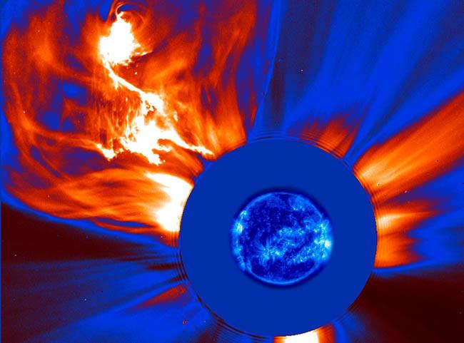 Explosion SOHO 14 Photos Explaining 14 Major Mysteries About The Sun - TinoShare.com