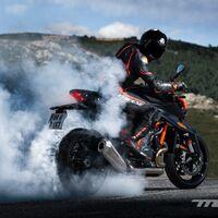 ¡Ojo! Hay una KTM 1290 Super Duke RR más radical en camino: doble erre, fibra de carbono y parte ciclo mejorada