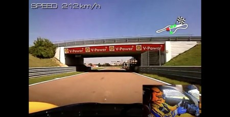 Race Wife maneja su FXXK en Fiorano