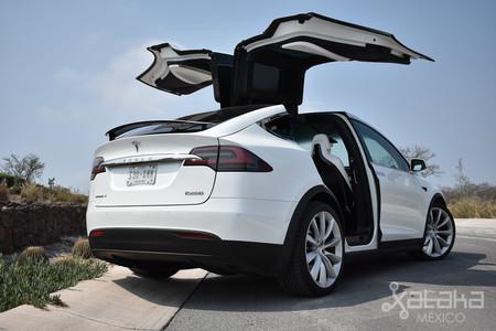 Tesla Model X Mexico 09