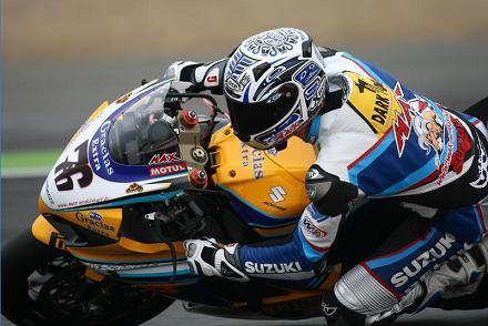 Max Neukirchner bate el récord de Cheste con la Suzuki GSX-R 1000