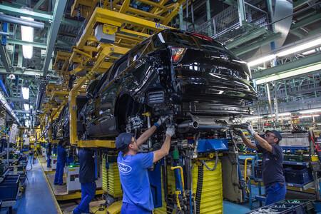 Soplo de aire fresco para Ford Almussafes: fabricará un nuevo motor de combustión y mantendrá la Transit Connect hasta 2023