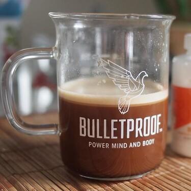 Te decimos todo lo que debes de saber sobre el Bulletproof coffee o café a prueba de balas