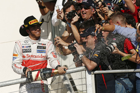 Lewis Hamilton vence en el Gran Premio de Estados Unidos y el título se decidirá en Brasil