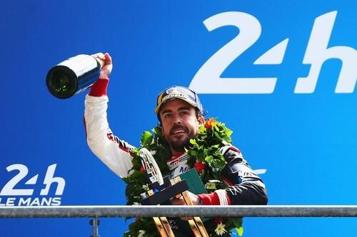 Fernando Alonso viaja al pasado para convertirse en la mayor leyenda del automovilismo contemporáneo