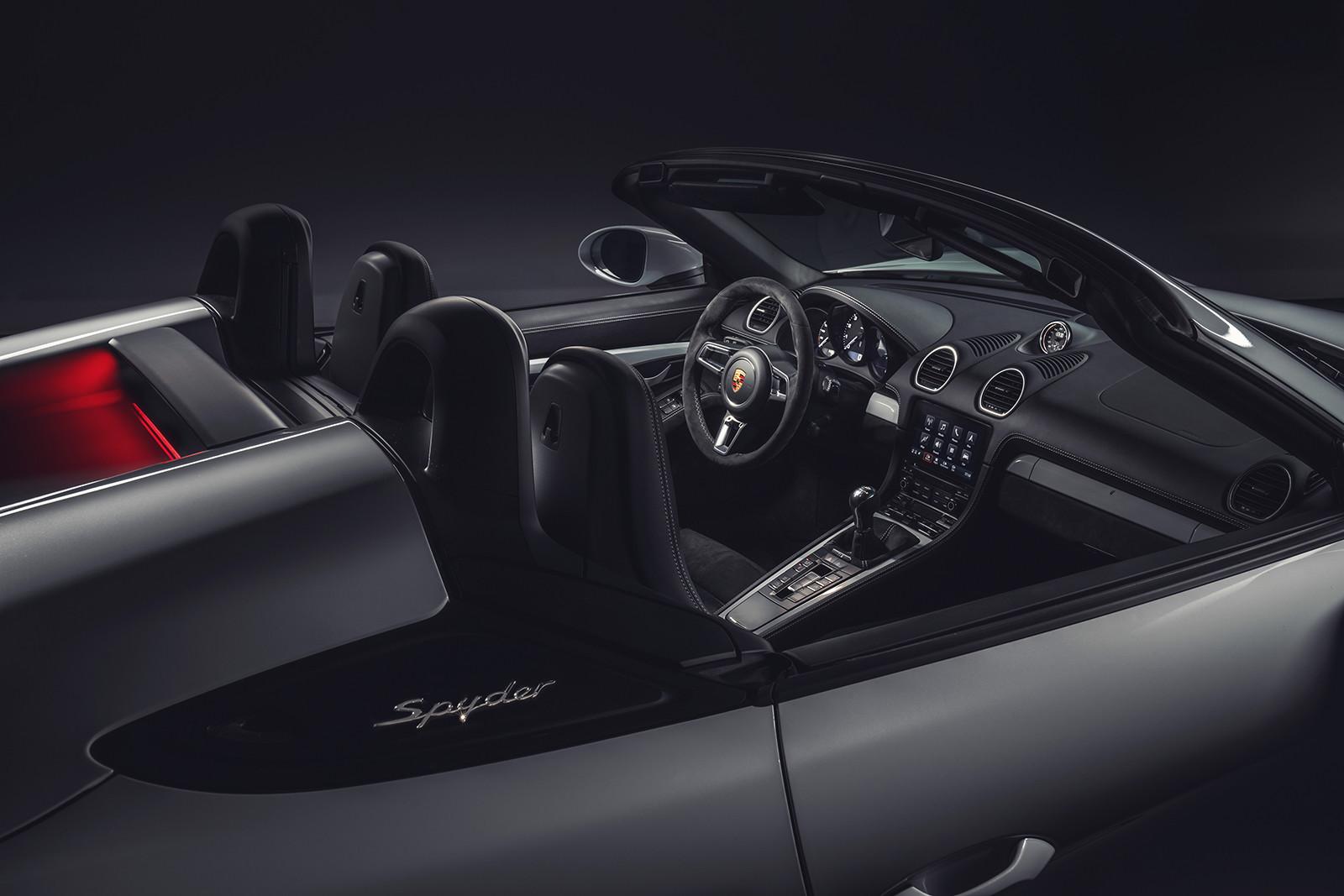 Foto de Porsche 718 GT4 2020 (13/13)