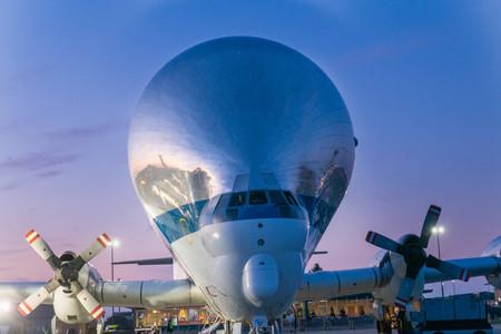 Así es 'Super Guppy', el enorme avión de la NASA que fue capaz de transportar la nave espacial con la que buscan volver a la Luna