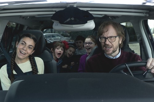 'Padre no hay más que uno': Santiago Segura triunfa con un ingenioso remake que busca agradar a toda la familia