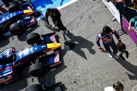 Carlos Sainz Jr gana en Paul Ricard y acaricia el título