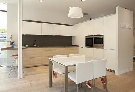 Nuevo showroom santos chamart n by brezo un espacio - Ver cocinas montadas ...